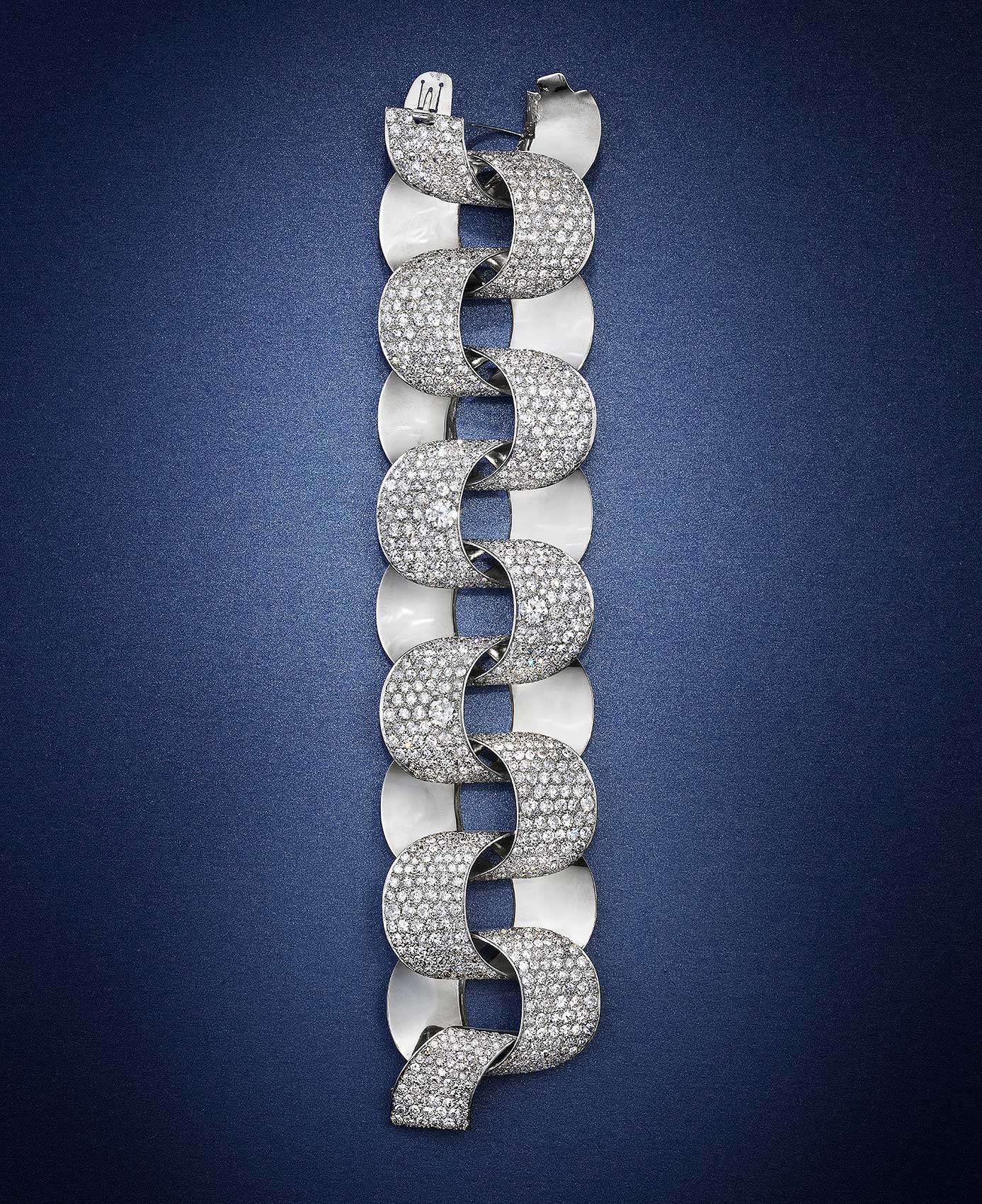 Diamond-Bracelet-on-Blue