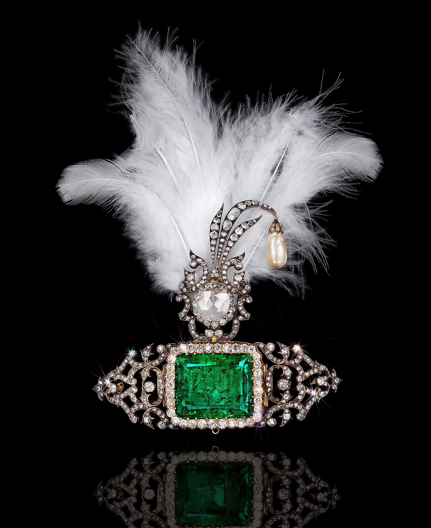 Emerald Brooch with Feathers