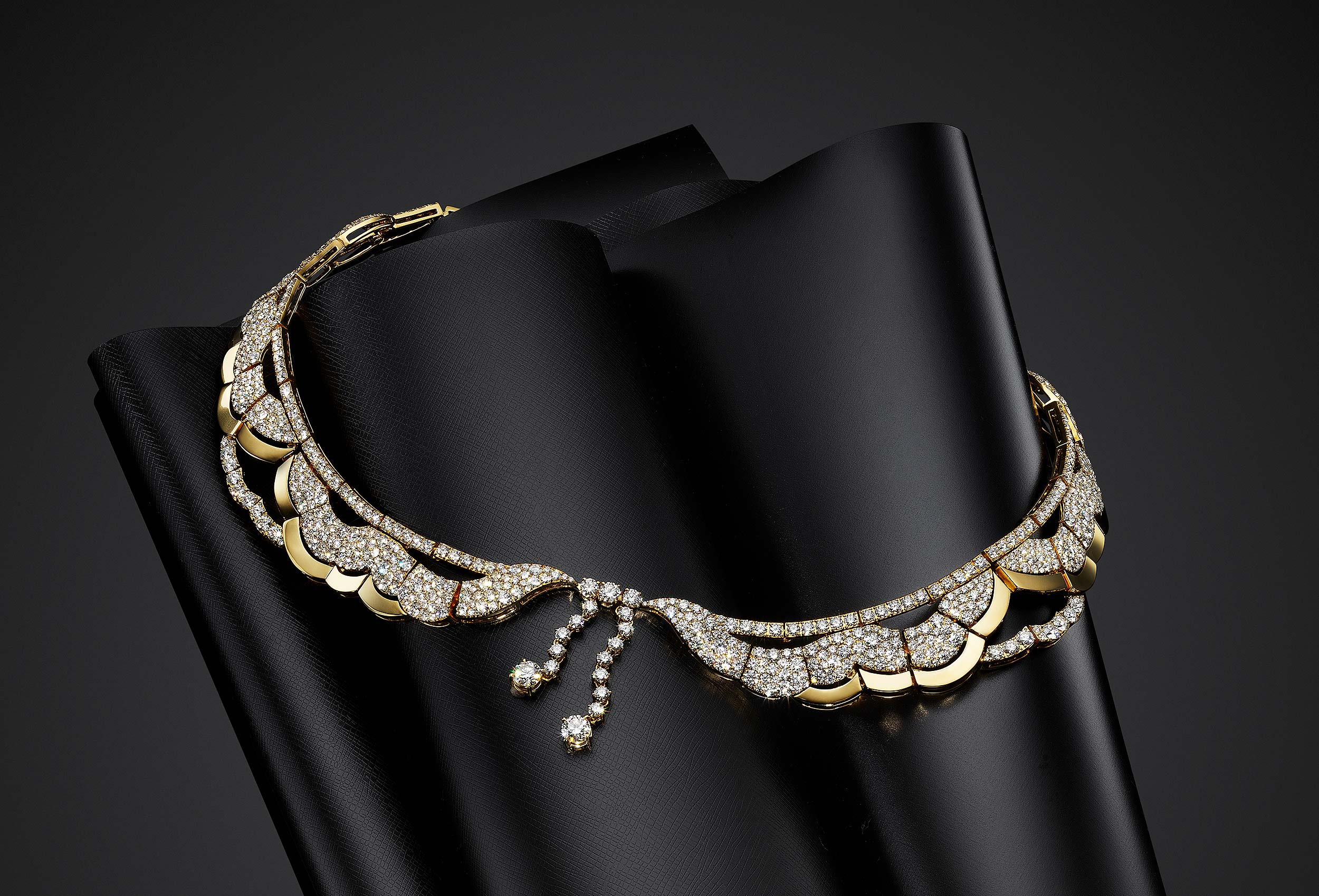 Gold-Necklace-on-Black