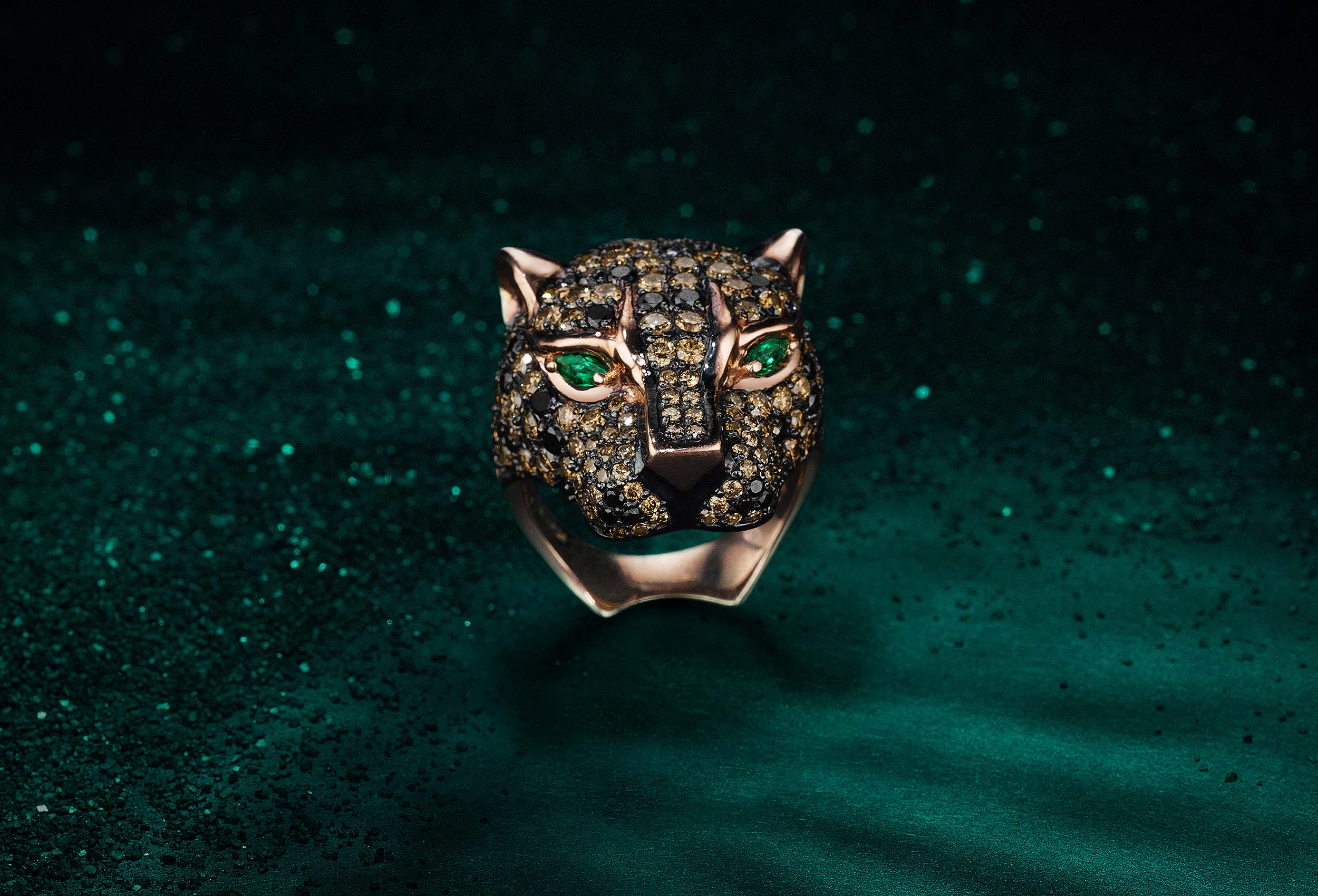 Leopard-Ring-on-Green