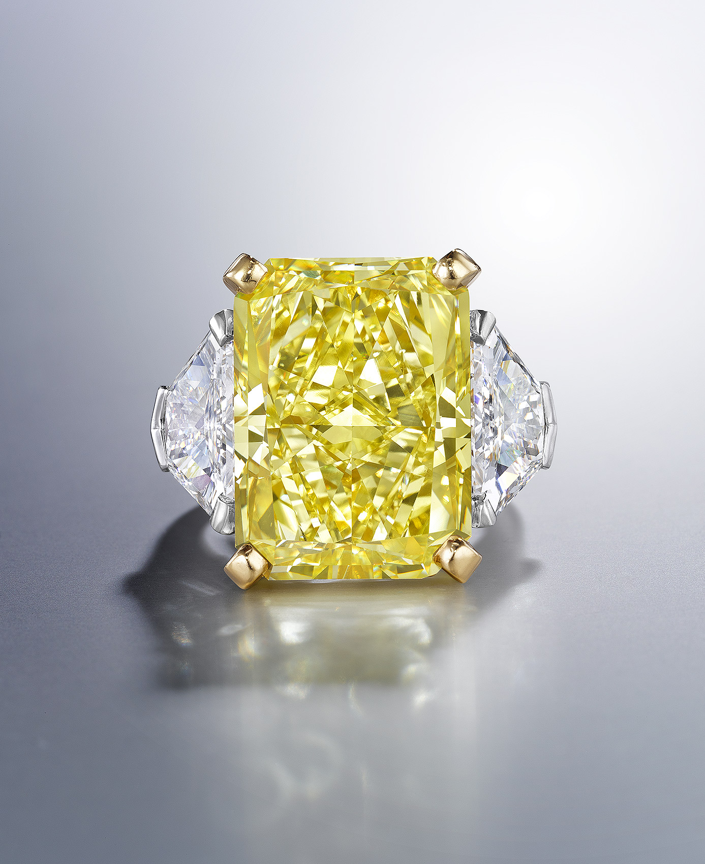 Yellow-Diamond-Ring-Photography